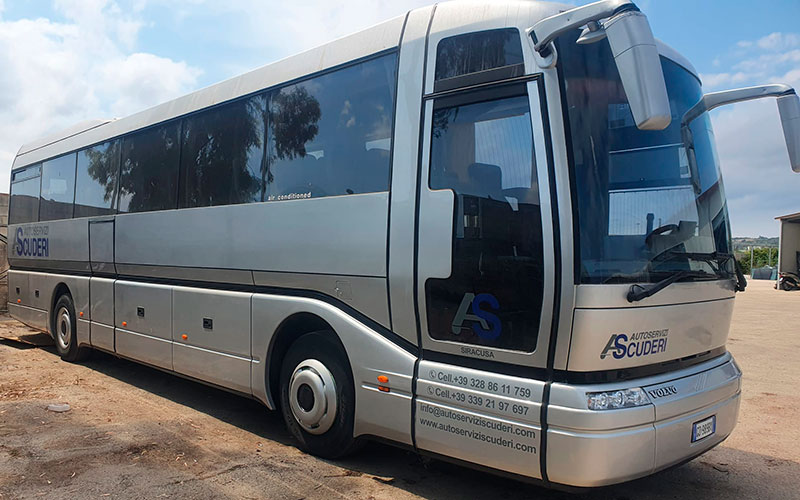 bus-volvo-autoserviziscuderi